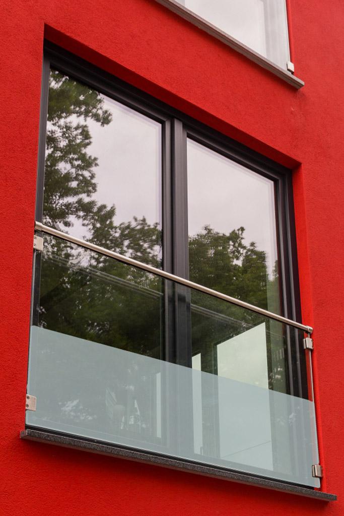 glas fensterbr stung franz sicher balkon aus glas. Black Bedroom Furniture Sets. Home Design Ideas