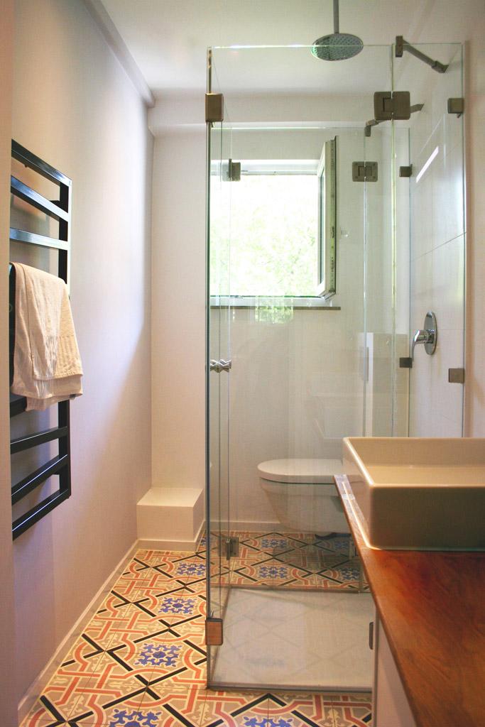 u form dusche aus glas ma gerfertigt meitinger glas m nchen garching. Black Bedroom Furniture Sets. Home Design Ideas
