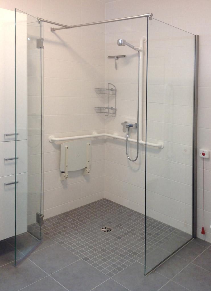 walk in dusche aus glas ma gerfertigt meitinger glas m nchen garching. Black Bedroom Furniture Sets. Home Design Ideas