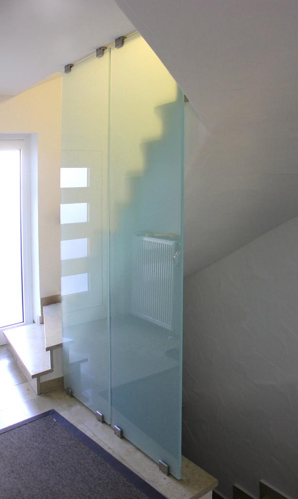 Massgefertigte Glas Trennwand Fast Mit Edelstahl Glasklemmen